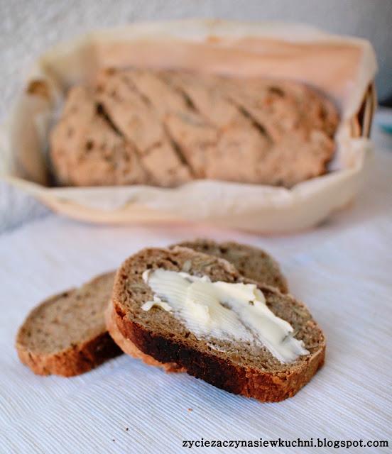 Chleb pszenno-żytni z dodatkiem ziaren słonecznika