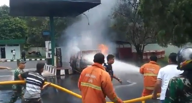 Mobil Kijang di Pom Bensin Milik TNI Kebakaran, Ini Penyebabnya