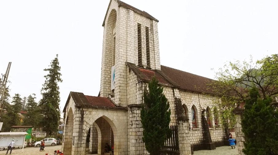 Ghé thăm nhà thờ đá Sapa