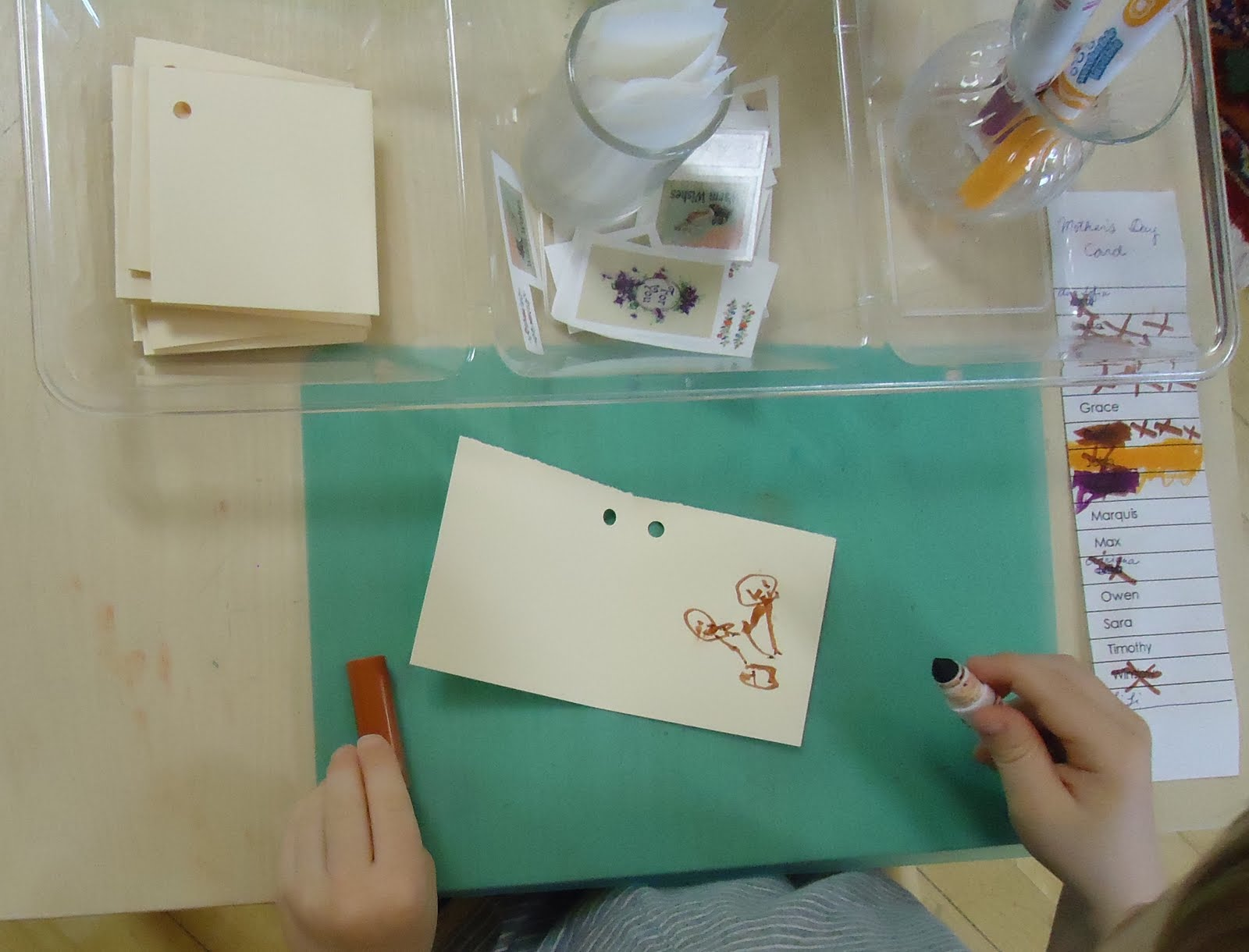 Montessori-Inspired Mother's Day Card-Making Activity (Photo from To the Lesson!)