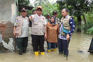 Taufik Hidayat Berempati Dengan Korban Banjir