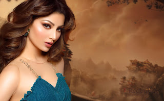 Urvashi-Rautela-Download-HD-Images-High-Quality-Wallpapers-14