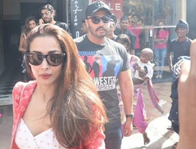 Sexy-Heroin-Malaika-Arora-And-Arjun-Kapoor-To-Get-Married-In-April-2019-Andhra-Talkies