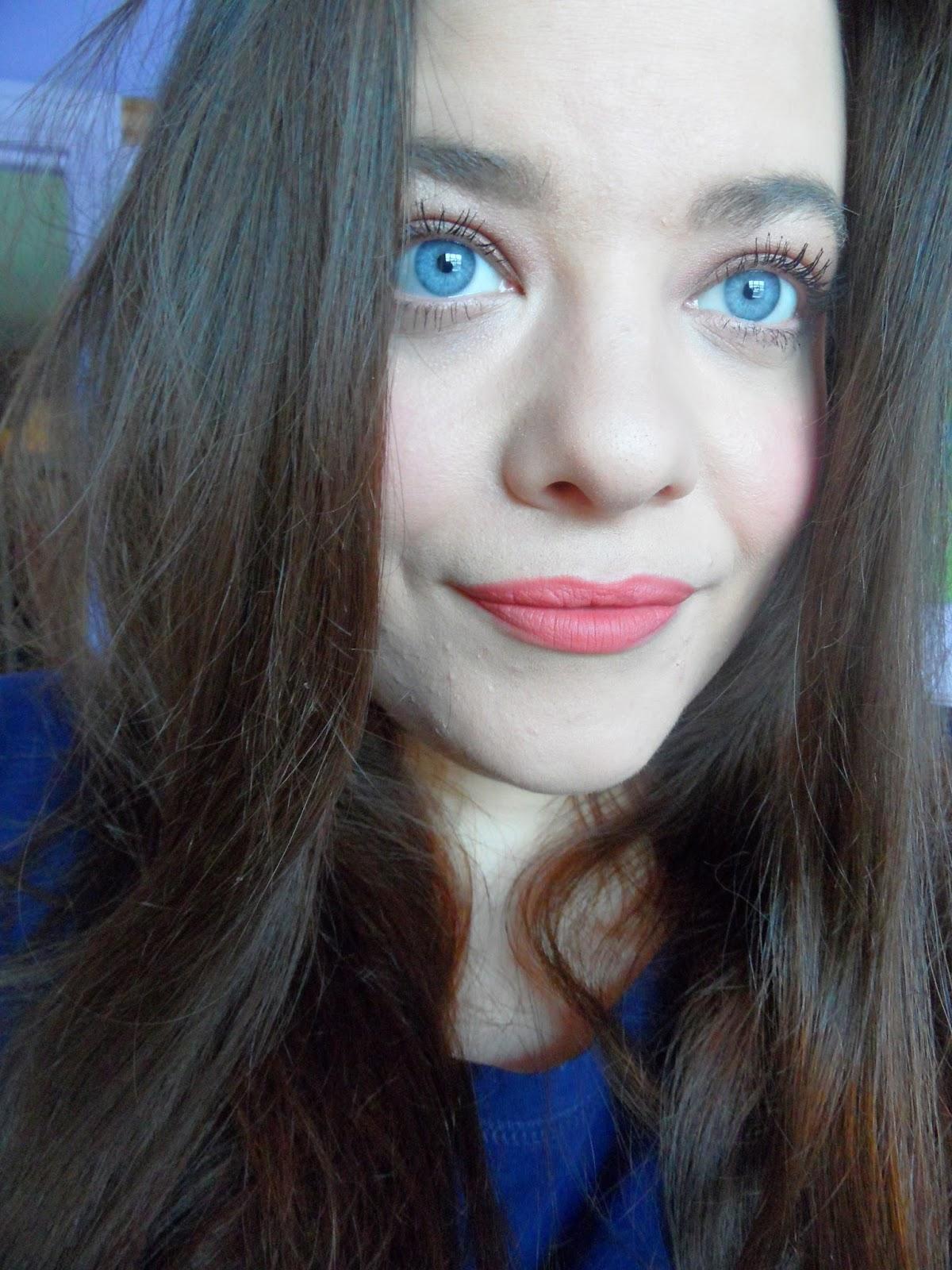 Velvet Lip Kits Velvet Liquid Lipsticks: Kick Arse Red Lips: Face Of The Day With NARS Velvet Matte