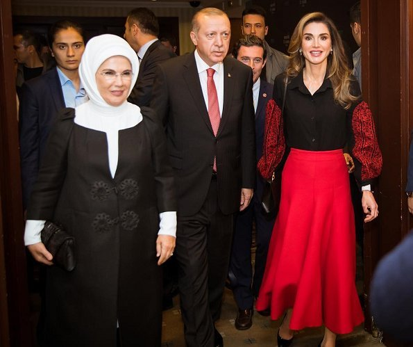 Queen Rania met with Turkish President Recep Tayyip Erdogan and First Lady Emine Erdogan at Swiss Hotel The Bosphorus in Istanbul