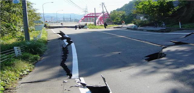 كيف يمكن التنبؤ بالزلازل قبل وقوعها وماعلاقتها بإنفجارات البركانية