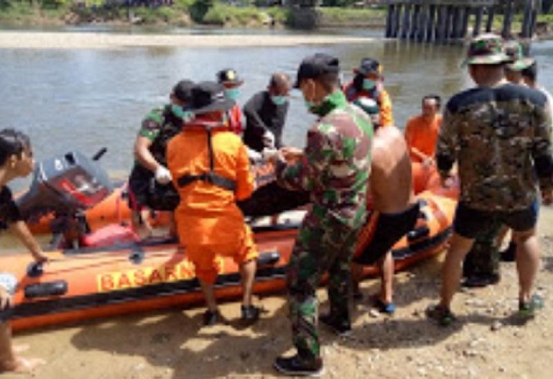 Tim Gabungan Berhasil Menemukan Anak Yang Tenggelam di Kapuas Hulu