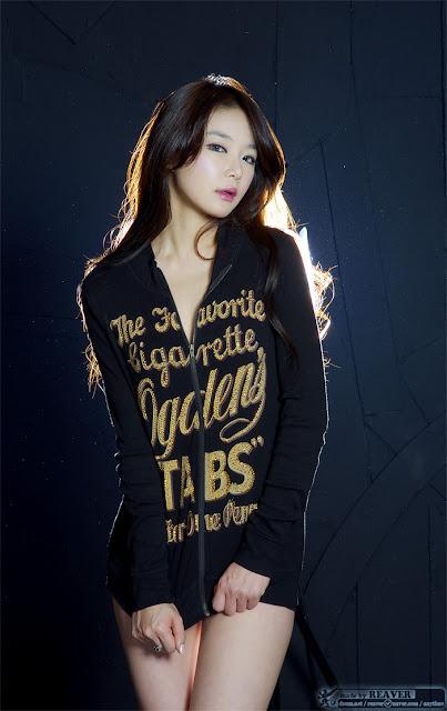 xxx nude girls: Lee Eun Hye in Blue