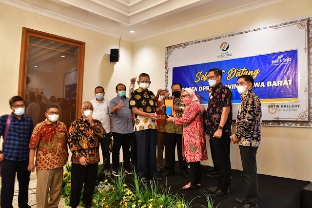 Banggar DPRD Jabar Apresiasi Kinerja Kantor Cabang BJB Kota Surakarta