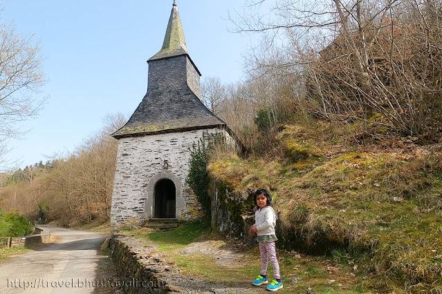Hiking in La-Roche-en-Ardenne Sainte-Marguerite Chapel
