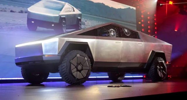 Cybertruck: Tesla unveils its futuristic bullet-proof pickup, but the windows break during the demonstration