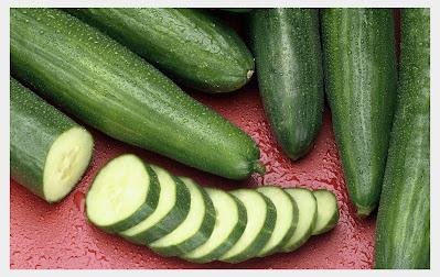 Cucumber lightening the dark underarms