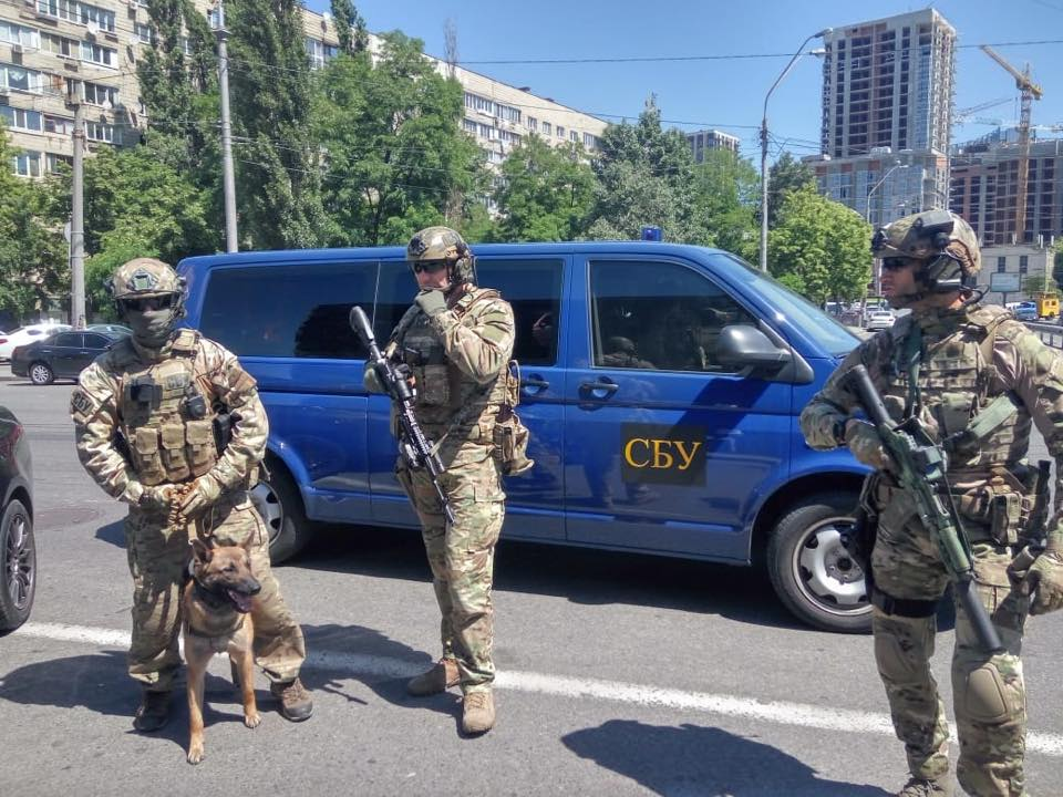 """Альфа"" охраняет центр Киева"