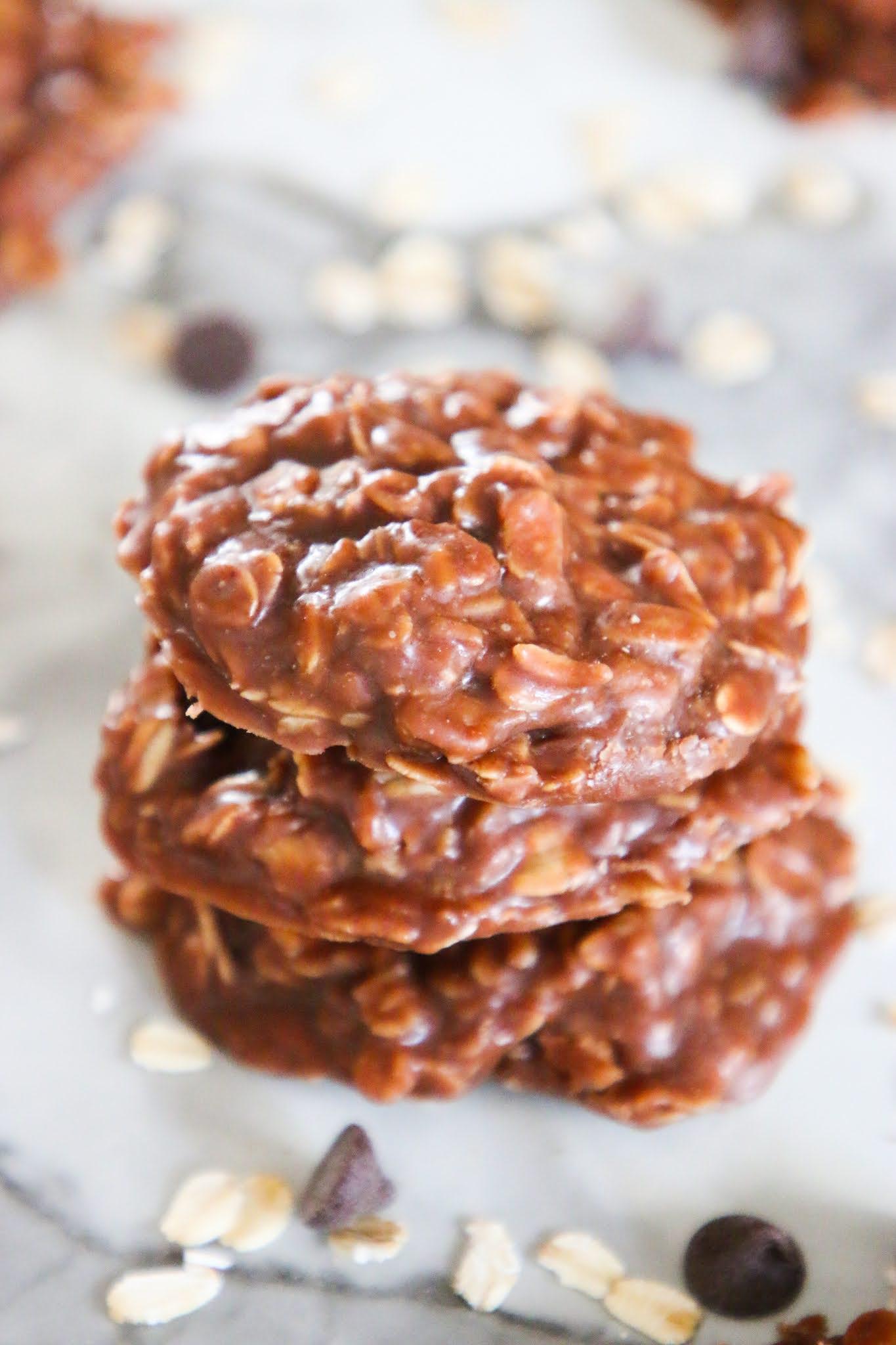 No bake chocolate peanut butter oatmeal cookies. No bake chocolate oatmeal cookies. No bake chocolate oatmeal cookies without peanut butter. 3 ingredient no bake peanut butter cookies. Classic no bake cookies. No bake cookies with chocolate chips. Old fashioned no bake peanut butter cookies. Healthy no bake oatmeal cookies. #nobakecookies #oatmeal #chocolate #cookies #baking