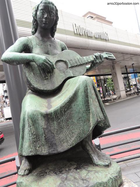 Escultura en Roppongi, Tokio