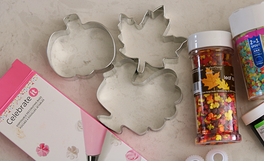 fall-cookie-cutter-sugar-decorating-homemade-baking-easy-recipe