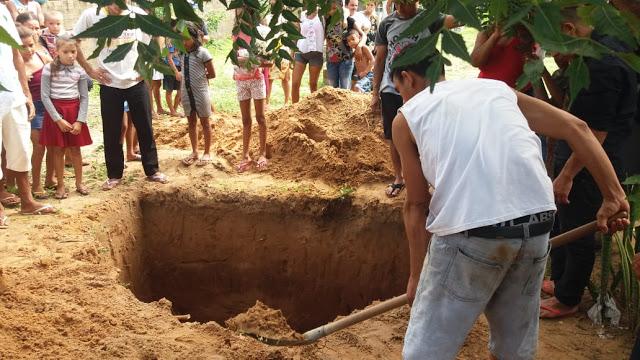 Tutóia-MA: Mulher é desenterrada após familiares acreditarem que ela estava viva