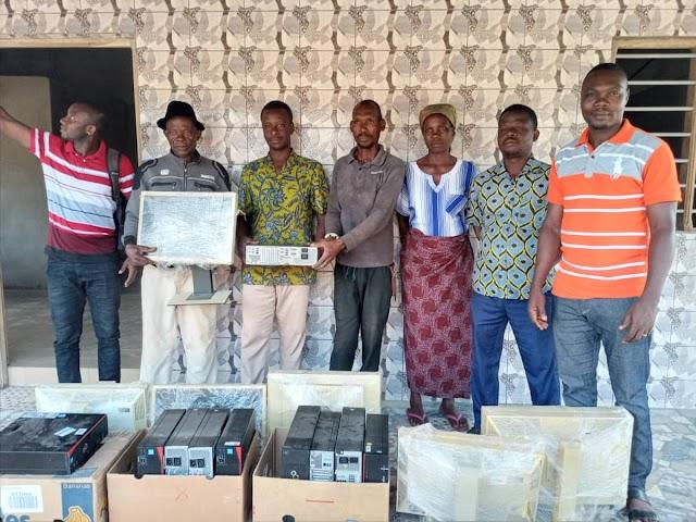 Lacs 2/ La diaspora de Sivamè fait don de 10 ordinateurs au CDEJ GUILGAL TG 0134