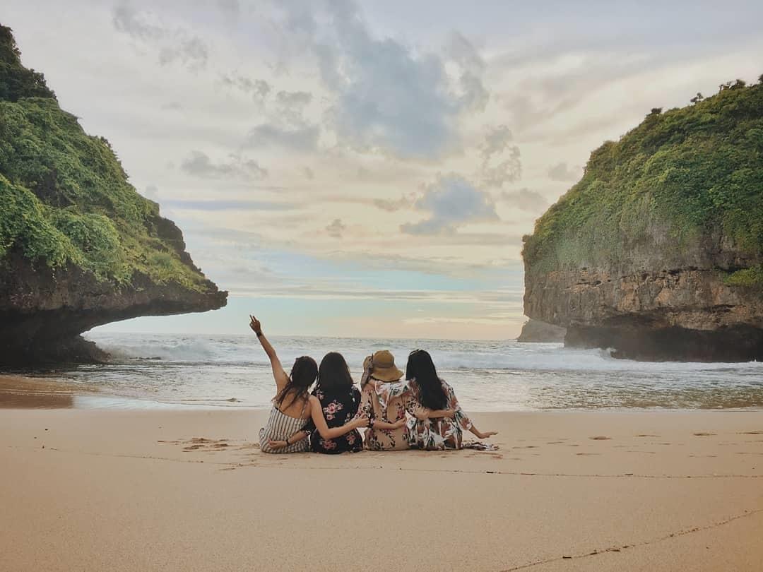Mitos Pantai Sedahan
