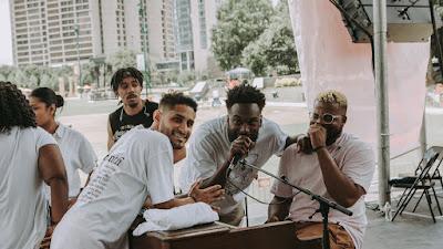 Conheça o grupo de adoração: Maverick City Music
