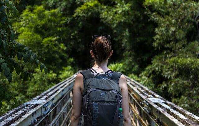 Barang Yang Wajib Kamu Bawa Saat Traveling