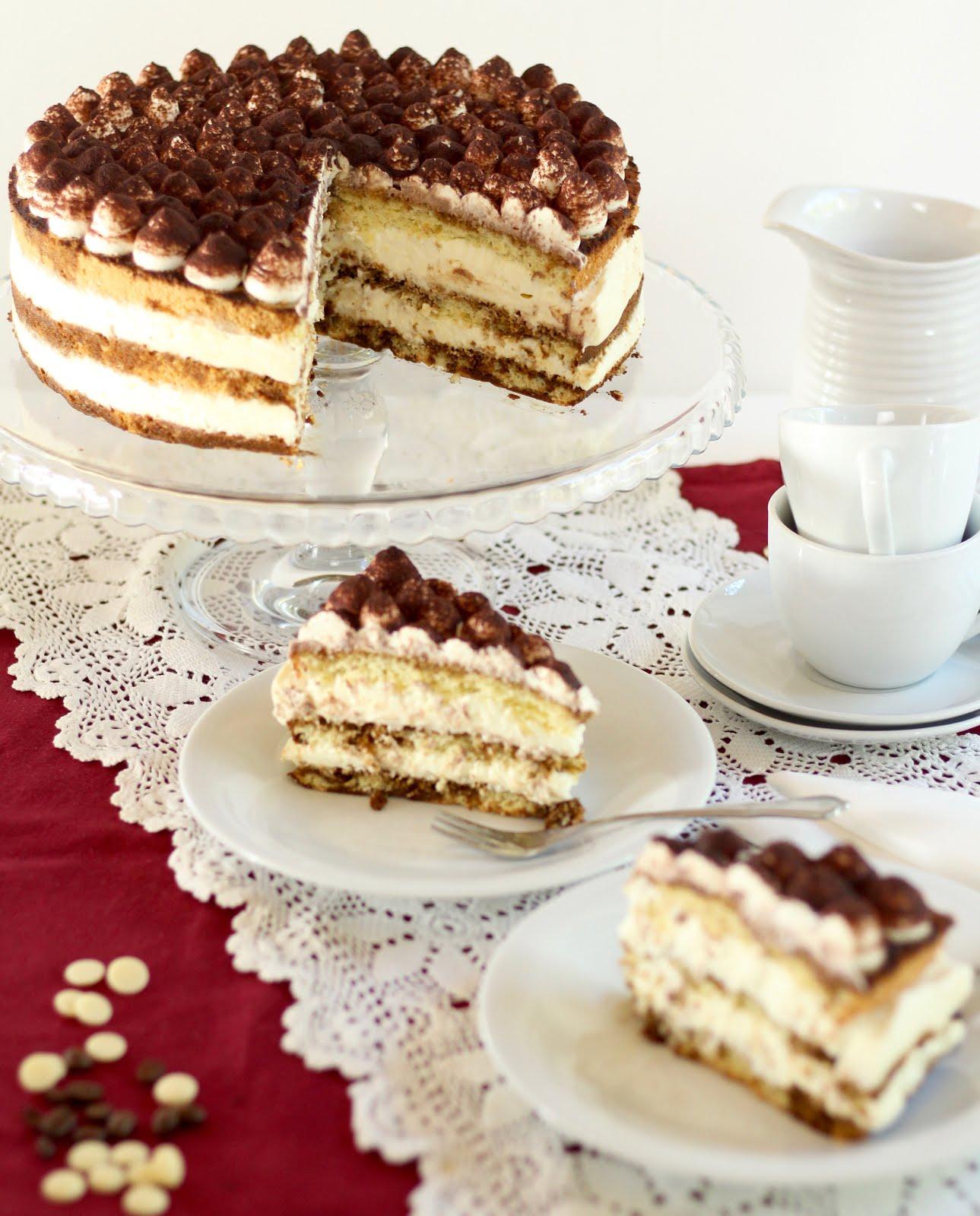 Kaffee-Torte mit weißer Schokosahne | Tiramisu-Torte mit feinem Biskuit | Rezept und Video von Sugarprincess