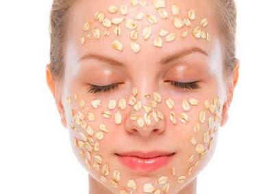 Traitement avec les flocons d'avoine contre l'acné