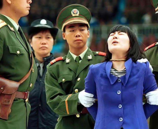 Dissidente ou minorias religiosas e étnicas serão logo identificados e entrarão na máquina de supressão, e até de colheita de órgão humanos.