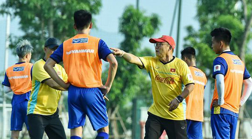 Các cầu thủ U23 đang tích cực tập luyện cho ASIAD 2018 - Win2888vn