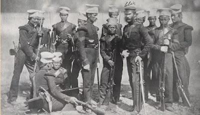 Fisik Pasukan Gurkha yang Kecil Mungil