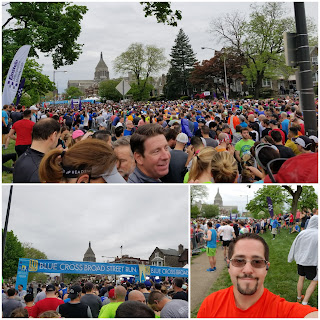 BroadStreetRun - corral crowd and selfie