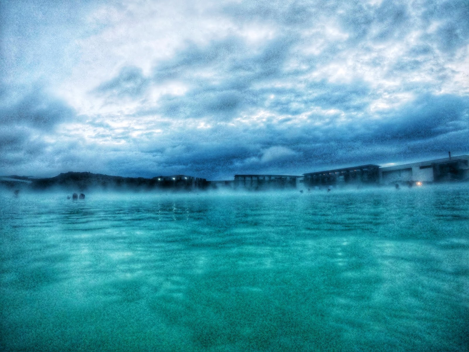 the blue lagoon, blue lagoon, the blue lagoon of iceland, iceland blue lagoon, spa, couples that travel, couples going to iceland, iceland travel, iceland adventures, couples that travel, couples jumping, cute couples jumping, jumping couples photos, cute couples traveling,