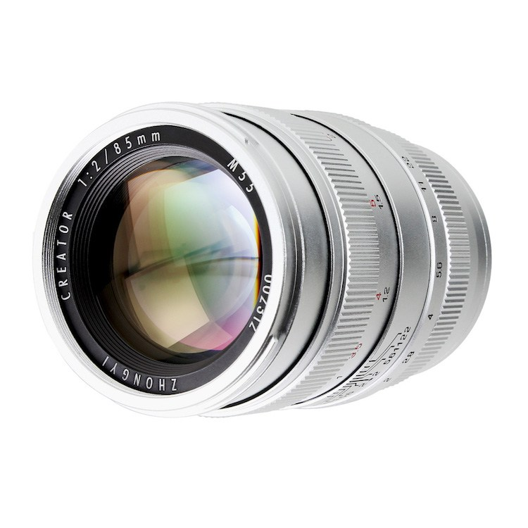 Объектив Zhongyi Mitakon Creator 85mm f/2, вид спереди