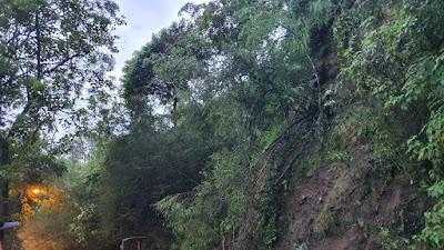 Kawasan Payung Kota Batu  Longsor, Arus Lalu Lintas Lumpuh 2 Jam