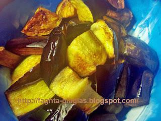 Αρνάκι ή κατσικάκι κοκκινιστό με μελιτζάνες - από «Τα φαγητά της γιαγιάς»