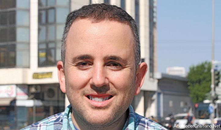 Judío Yonatan Perry se convierte a Cristo