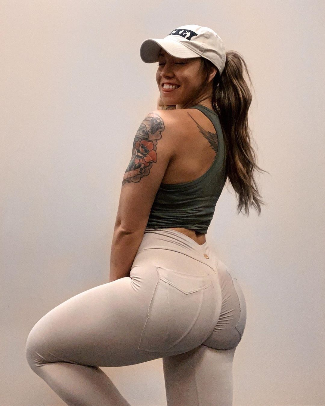 3 Exercise Workout For Strong And Powerful Glutes (Serene VanEtten)