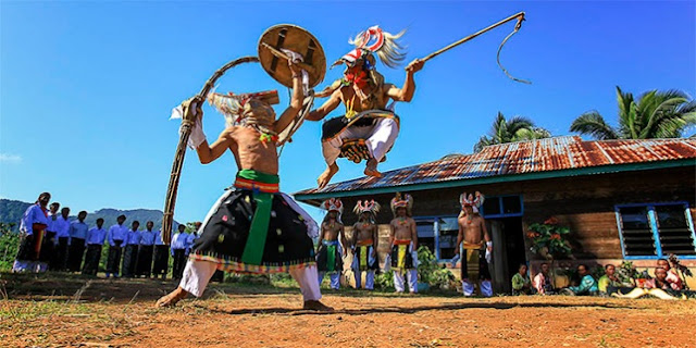 Berwisata di Indonesia Timur Menawarkan Lusinan Pengalaman