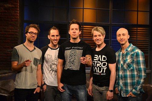 Hit de estreia da banda Simple Plan ganha força nas plataformas digitais e ganha certificado platina