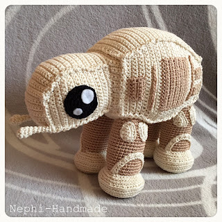 crochet AT-AT walker, AT-AT gehäkelt