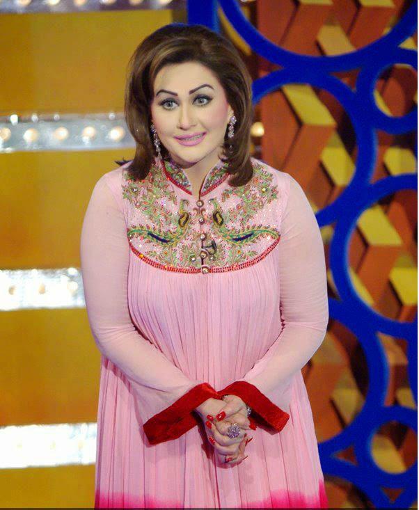 Hot Mujra: Pakistani Randi Nargis Nanga Mujra 2014