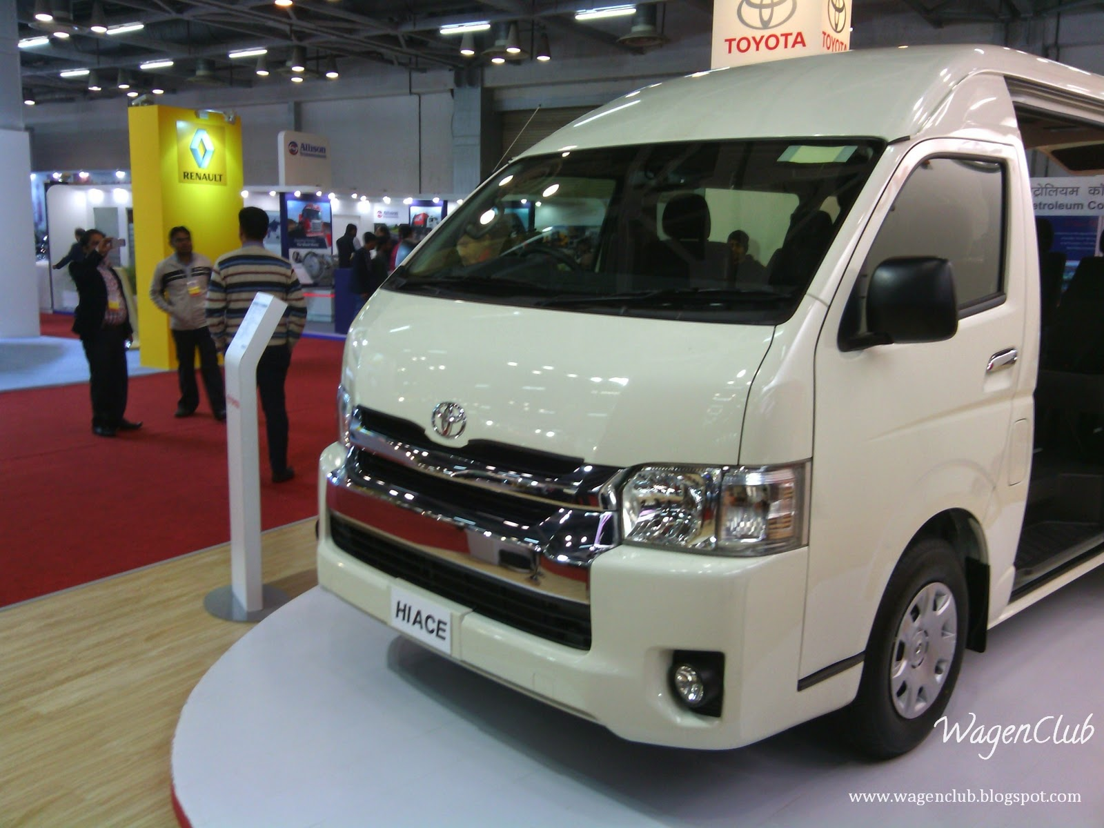 4215b8e8ef More Images of 2015 Toyota HiAce from Bus and Special Vehicles Show 2015