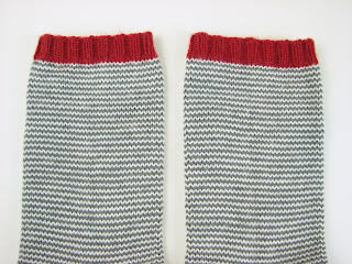 socks, knit, stripes, gray, white, pattern, simple, red