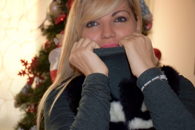 mariafelicia magno fashion blogger color block by felym bracciale luca barra color life fondazione umberto veronesi progetto pink is good natale 2016 blogger italiane fashion blog italiani