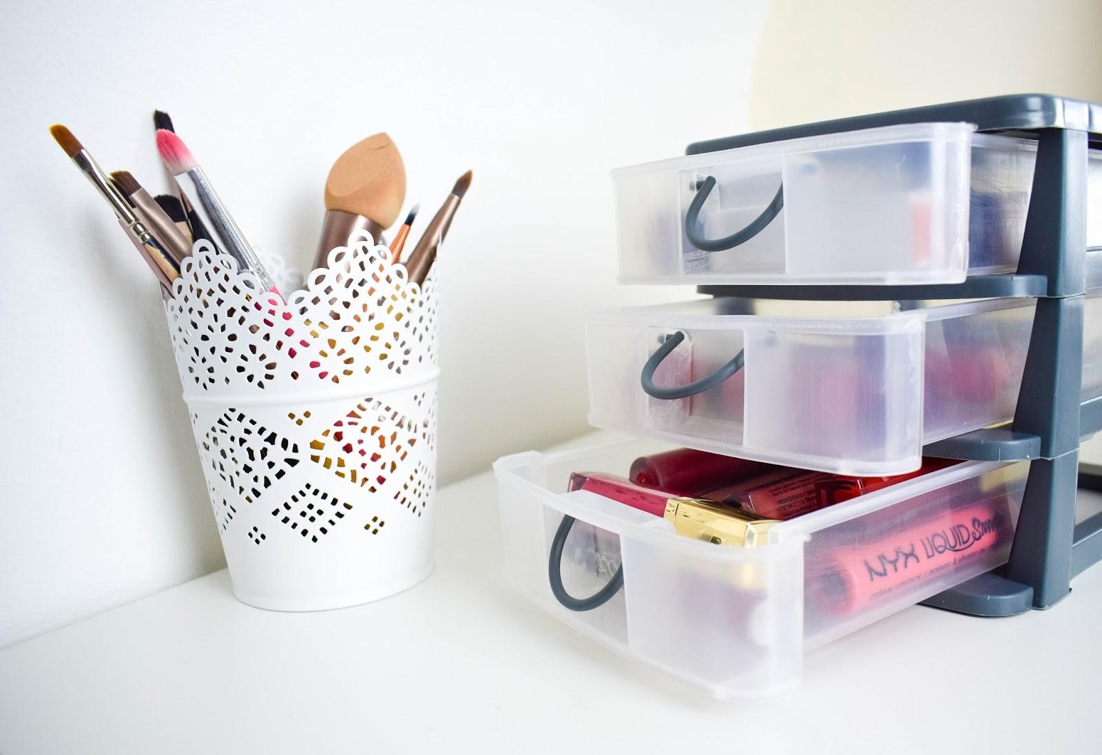 lebellelavie - The £1 lipstick storage you need