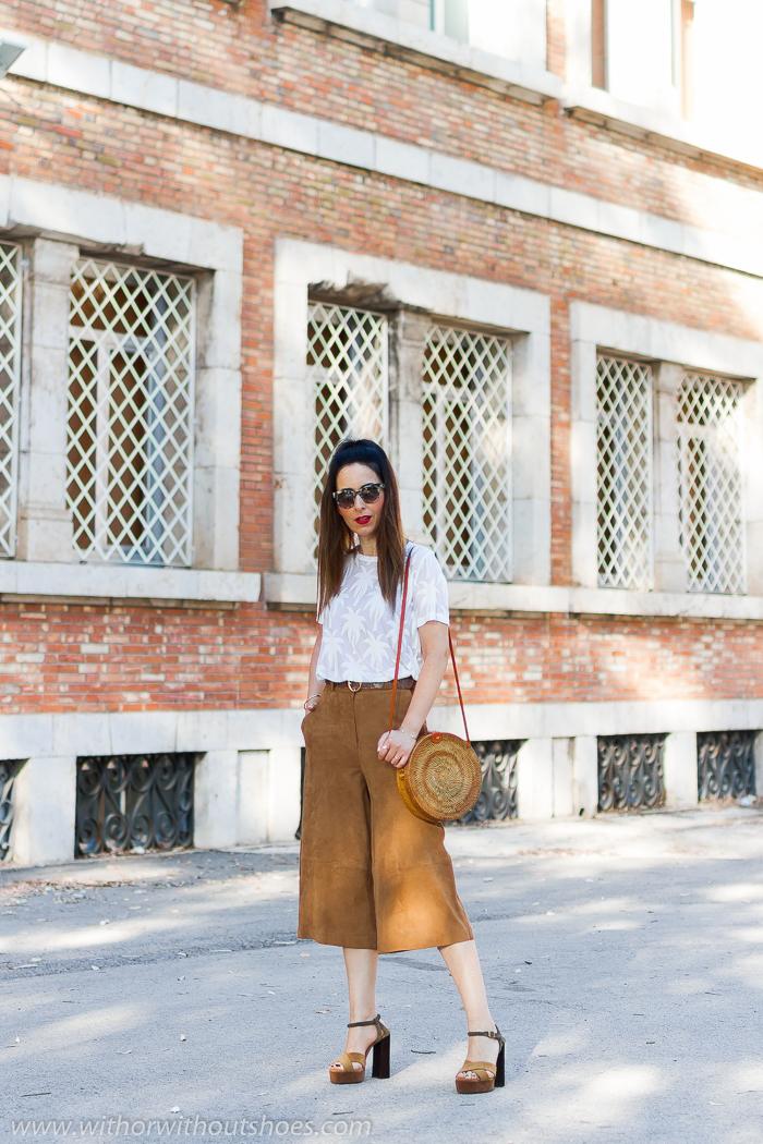 tendencias streetstyle Influencer blogger valencia con look urban chic comodo estiloso primavera verano camiseta blanca NÜ Denmark