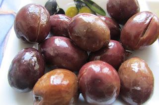 ciemne oliwki