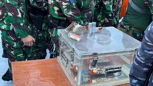 FDR Black Box Sriwijaya Air Tiba di JICT, Ini Penampakannya