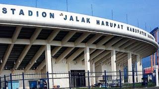 Bobotoh Apresiasi Disiplin Petugas Keamanan Stadion SJH