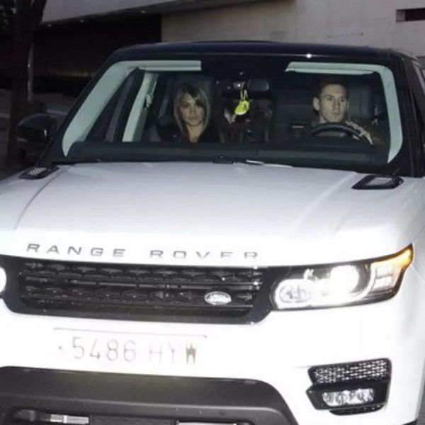 Lionel-messi-car-collection-Lionel-spotted-with-Antonella-Roccuzzo-in-his-White-Range-Rover-Sports